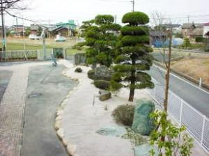 新しく改修された庭園